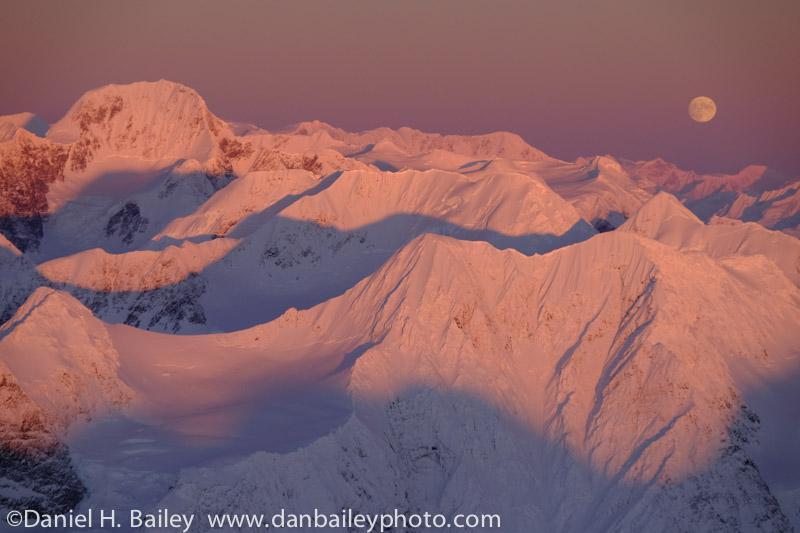 Mt. Gannett and the full moon rising over the Chugach #Mountains, #Alaska. http://t.co/ePnmRIRnIY