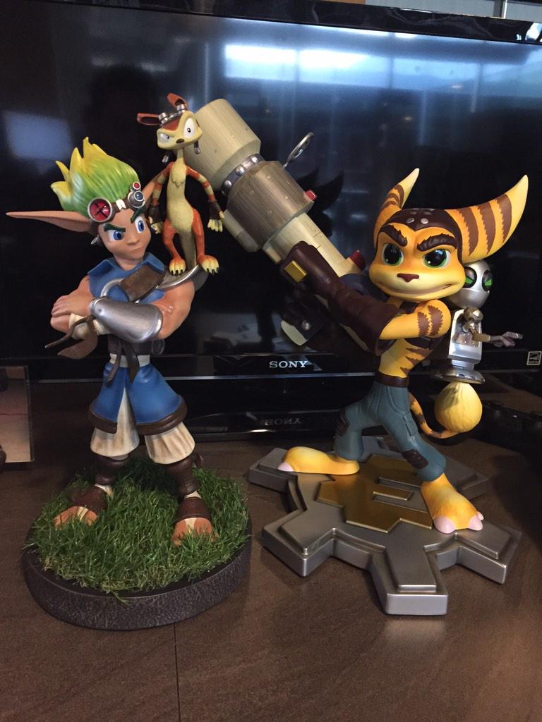 My new best friends @Naughty_Dog @insomniacgames @GamingHeads http://t.co/5YkXaqJmgl