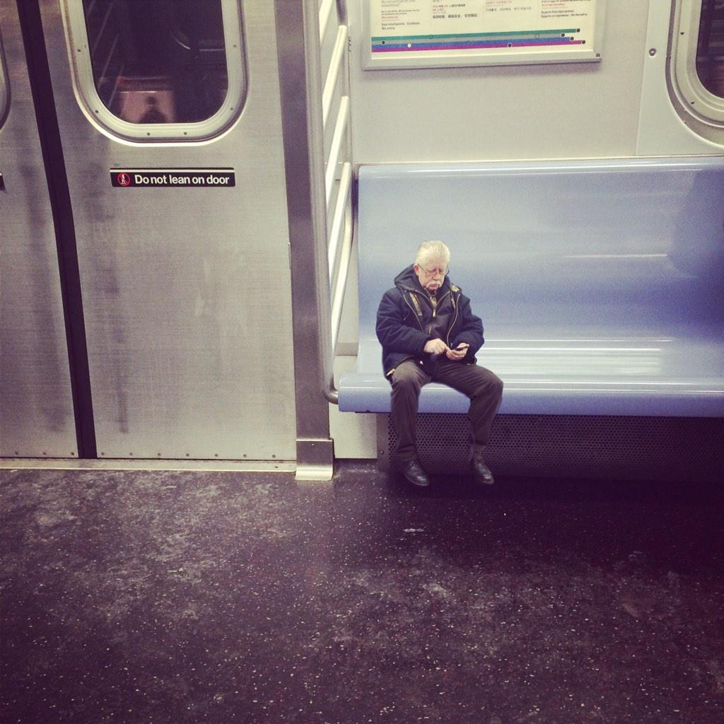 Saw the tiniest man on the subway today: http://t.co/nrZyuxZhbt