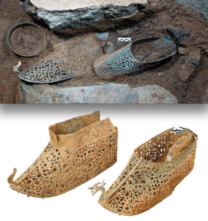 From a post in December - the Baekje (c.300-660CE) gilt-bronze shoes from a chiefly Mahan mounded burial in Korea! http://t.co/YjHM7Gt7P8