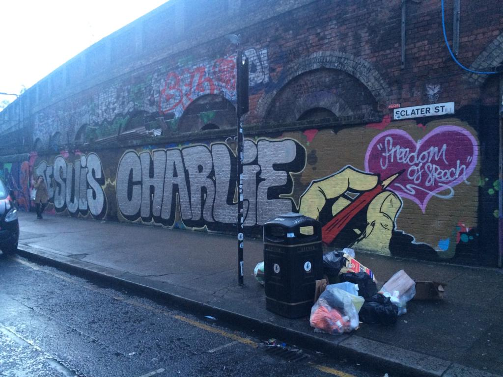 #JeSuisCharlie writ large, Shoreditch http://t.co/HX9swYXiYf