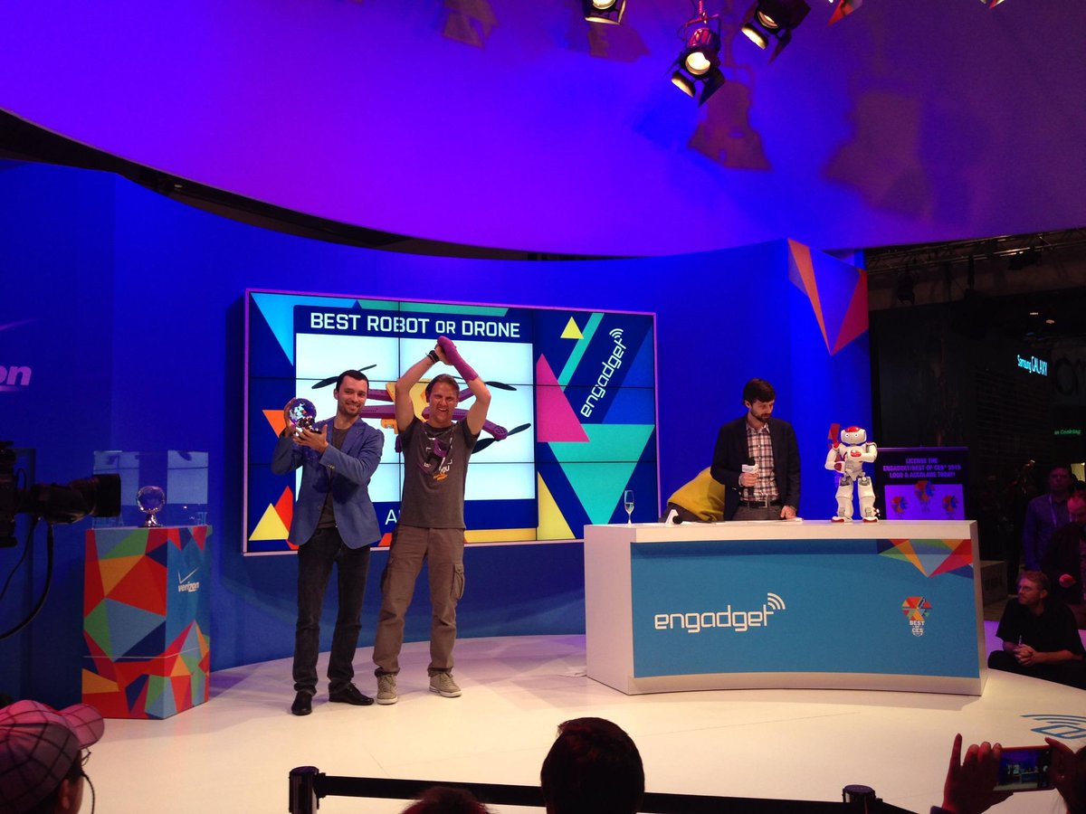 AirDog atzīts par labāko CES 2015 robotu http://t.co/xBc61nckFY http://t.co/45HmnMy8or