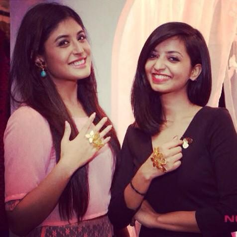 Sharing a happy moment with the adorable @Kritika_Kamra flaunting my favourite baubles from #Shakuntala #LFW14