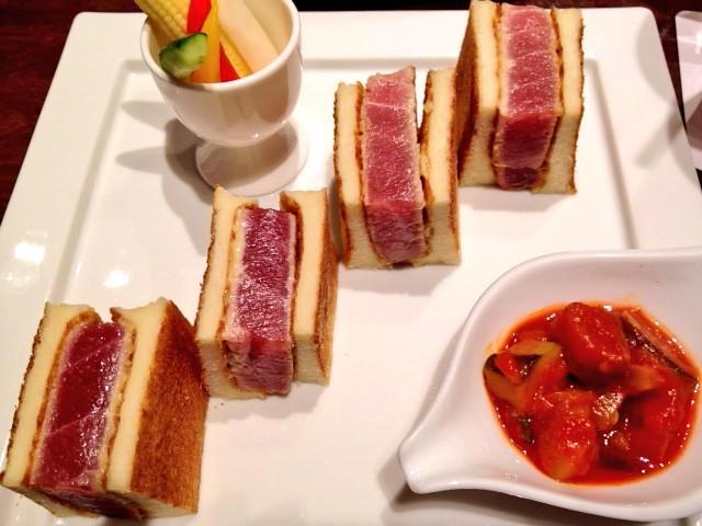 富士屋ホテルのオンザトーストでご飯ーー!ツナサンドうまそう http://t.co/ZGzv9PFgjj