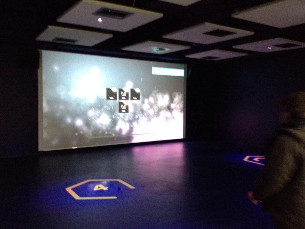L'Arena Fun Xperiences (Pavillon du Futuroscope) · Février 2015 - Page 2 B6CBYfHIcAATPQH