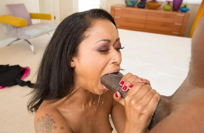Women who love to deep throat