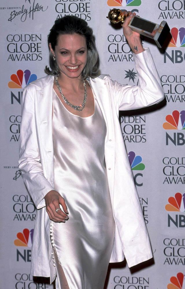 Angelina Jolie at the Golden Globes, 2000. #AngelinaJolie #GoldenGlobe...