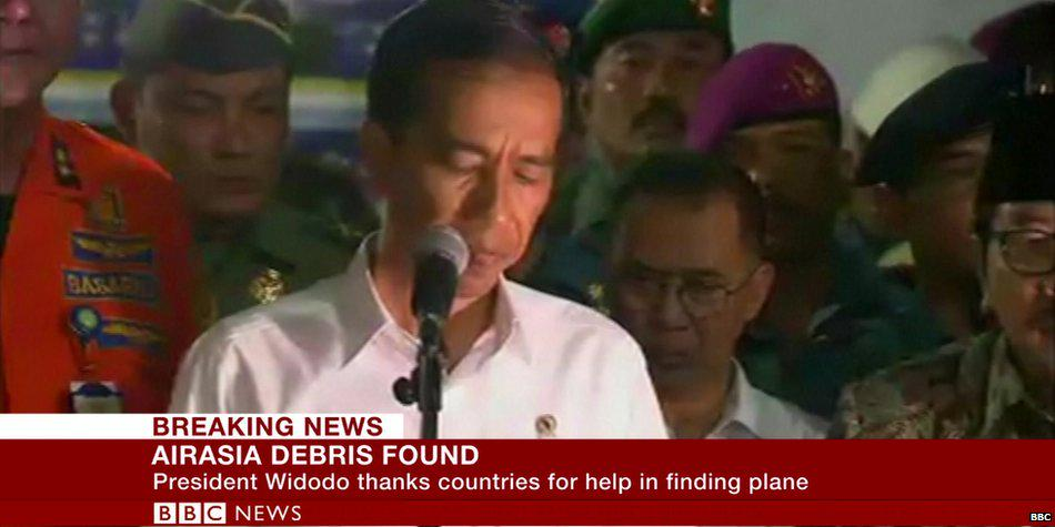 """We pray for strength for the families"" - Indonesia President Joko Widodo as #QZ8501 found  http://t.co/ms96gGP5O7 http://t.co/RRf2MzgH0X"
