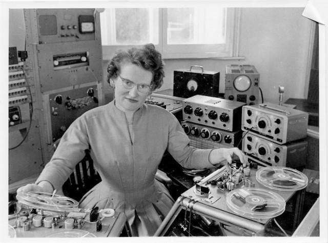 Happy NYE birthday to Daphne Oram (1925-2003), composer, BBC sound engineer, unsung innovator, electronic musician. http://t.co/163RS97HYh