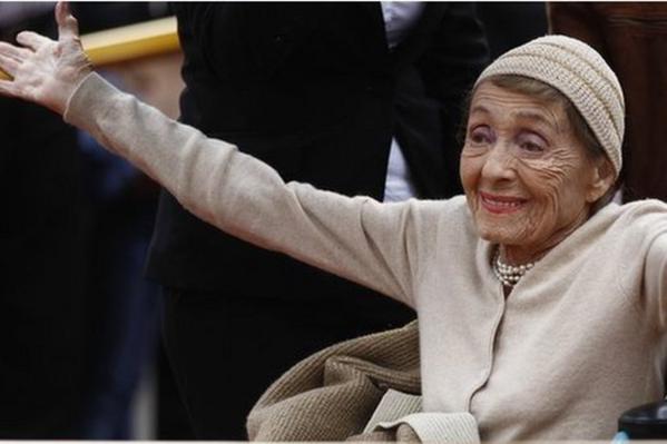 Murió la primera mujer en ganar dos Oscar seguidos