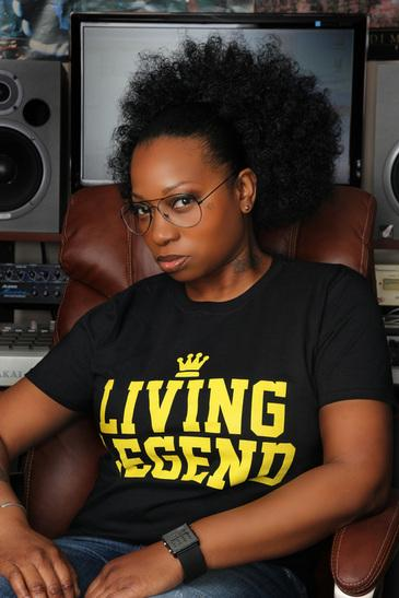 "Bahamadia in 2014 looking like the Bahamadia from 1994, if not better. ""Sweeter than lactose"" indeed. http://t.co/NP6U6NL2Tr"
