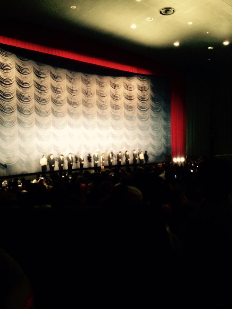 遂に、新宿ミラノ座閉館の日。万感の想いを馳せながら約1300人の観客の拍手が劇場に鳴り響いた。 http://t.co/ECVqJSZcEk
