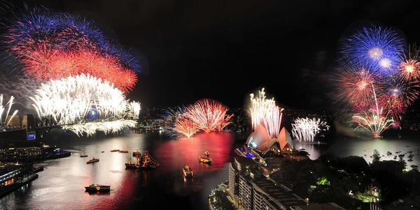 New Year's Eve: World Begins Celebrating the Arrival of 2015