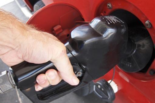 Combustibles | La reducción del 5% en los precios se verá en las estaciones el 2 de enero