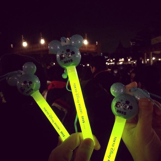 """@tdrexplorer: They give you glow sticks for the New Years Party! #disney #disneyland #tokyo #japan #newyears http://t.co/bL8KvFAPyv"""