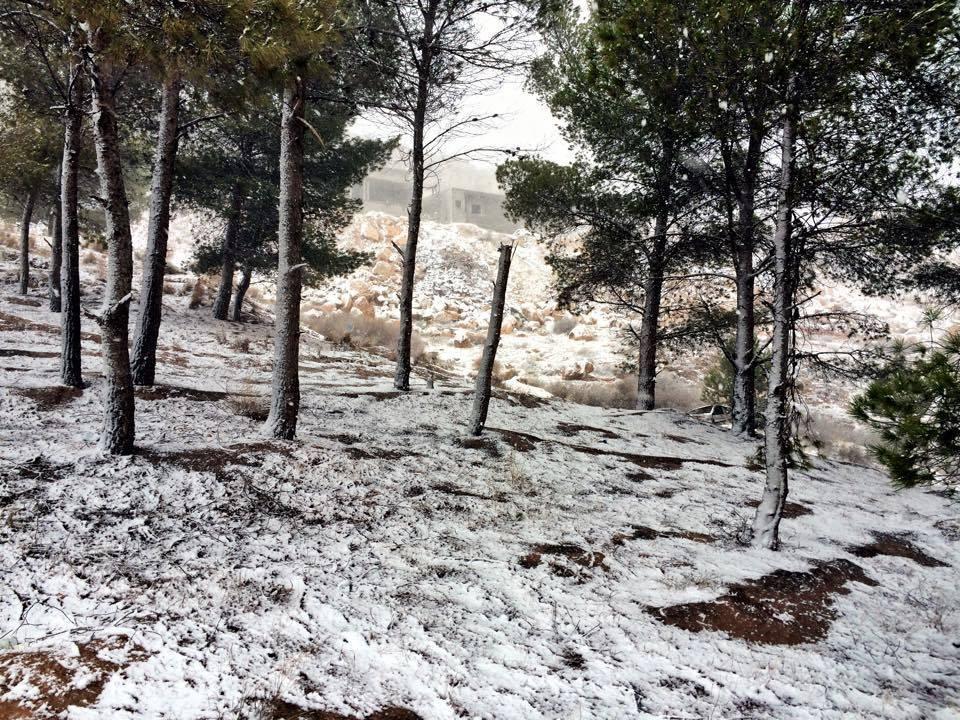 Snowfall in some parts of Libya. Libya http://t.co/bLBkz0DEjm