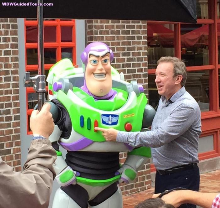 Tim Allen Meets Buzz Lightyear at Disney's Hollywood Studios (Photos, Video)  http://t.co/1PZwUlFBHp #pixar #disney http://t.co/3oIst1XE8T