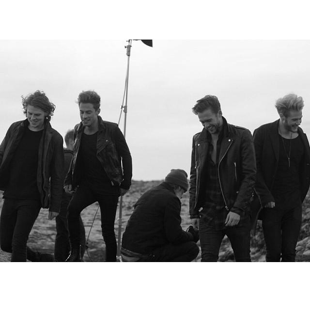 2015 = NEW LAWSON MUSIC. Thank you for your patience. Happy new year to all our fans http://t.co/uEv4ndeneV