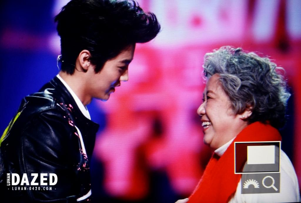 [PREVIEW] Dongfang TV New Year Countdown Concert [37P] B6MSlduCIAAh3Od