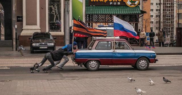 В результате ночного обстрела террористами Авдеевки и Дзержинска погибли трое мирных жителей, - Аброськин - Цензор.НЕТ 7383