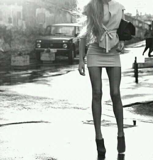 5efe31d80 To be able to wear short skirts and thigh-highs.  thinspiration  thinspo   winterthinspo  LegsForDays  legspo  skinnypic.twitter.com H1gMH01V9R