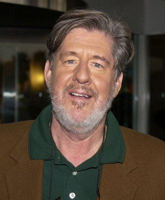 RIP, Edward Herrmann. The Gilmore Girls/Lost Boys/Practice actor passed @ 71 from brain cancer http://t.co/XroMlhAoyP http://t.co/uqQtqqTc7J