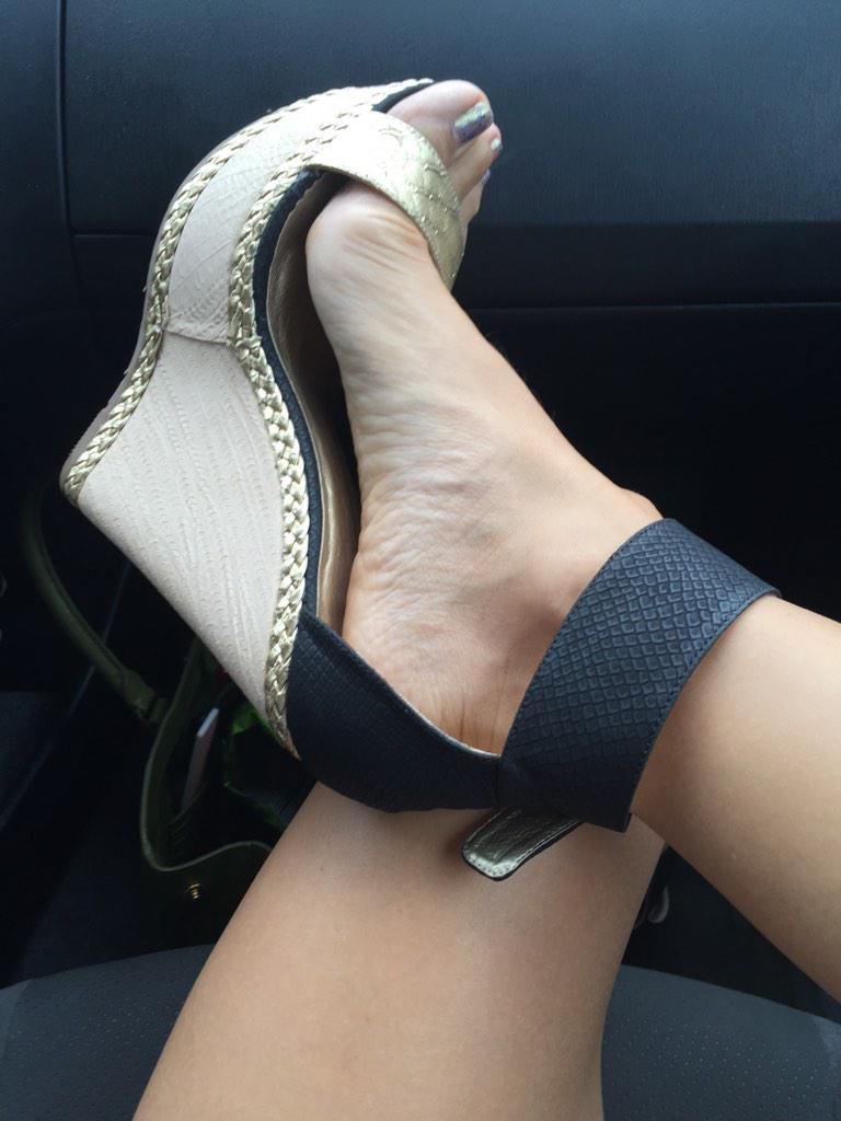 Sexy shoe and foot image