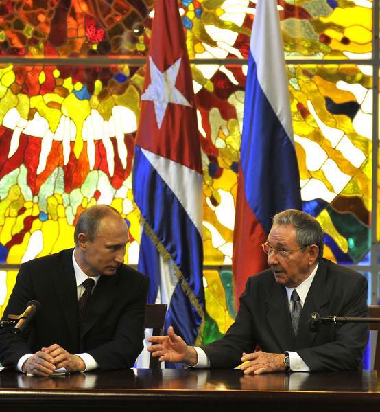 Presidente ruso felicita a Raúl Castro por celebración nacional