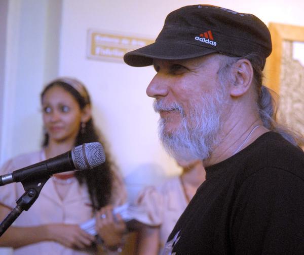Trabaja el pintor camagüeyano Joel Jover en la serie los Tronos del simulador