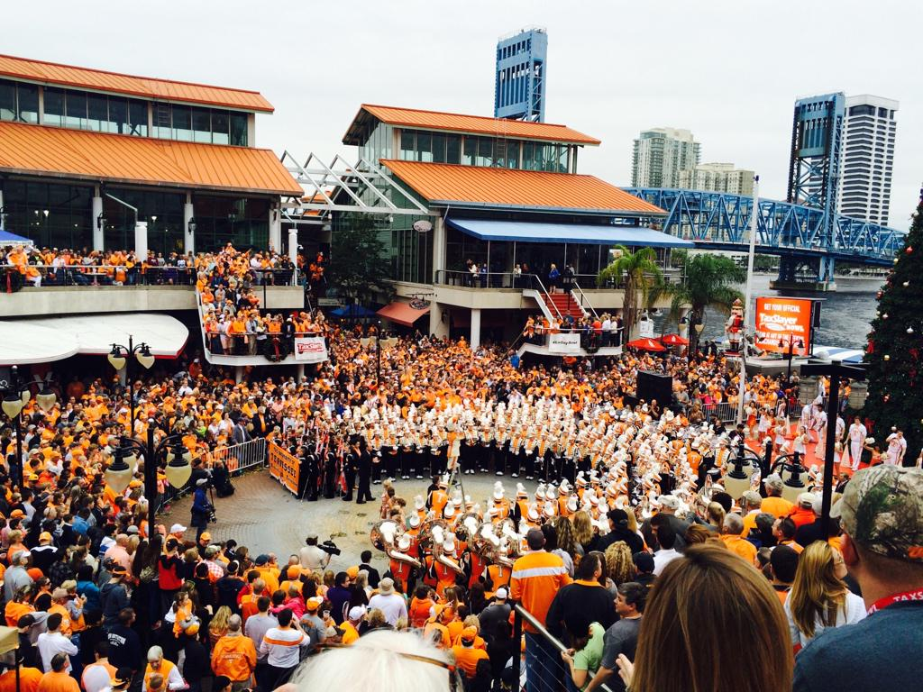 . @Vol_Football pep rally at Jacksonville Landing. http://t.co/Uv60dxyKNm