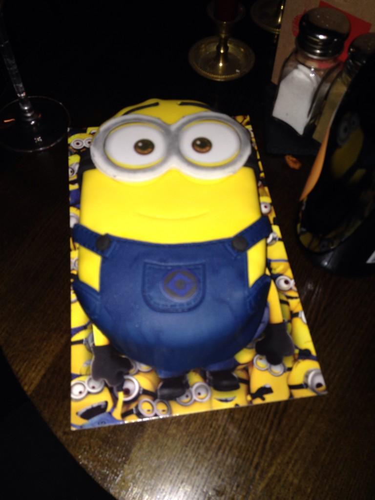 fantastic birthday good friends and a minion birthday cake happy new year all bring on 2015pictwittercomepu2bhexts