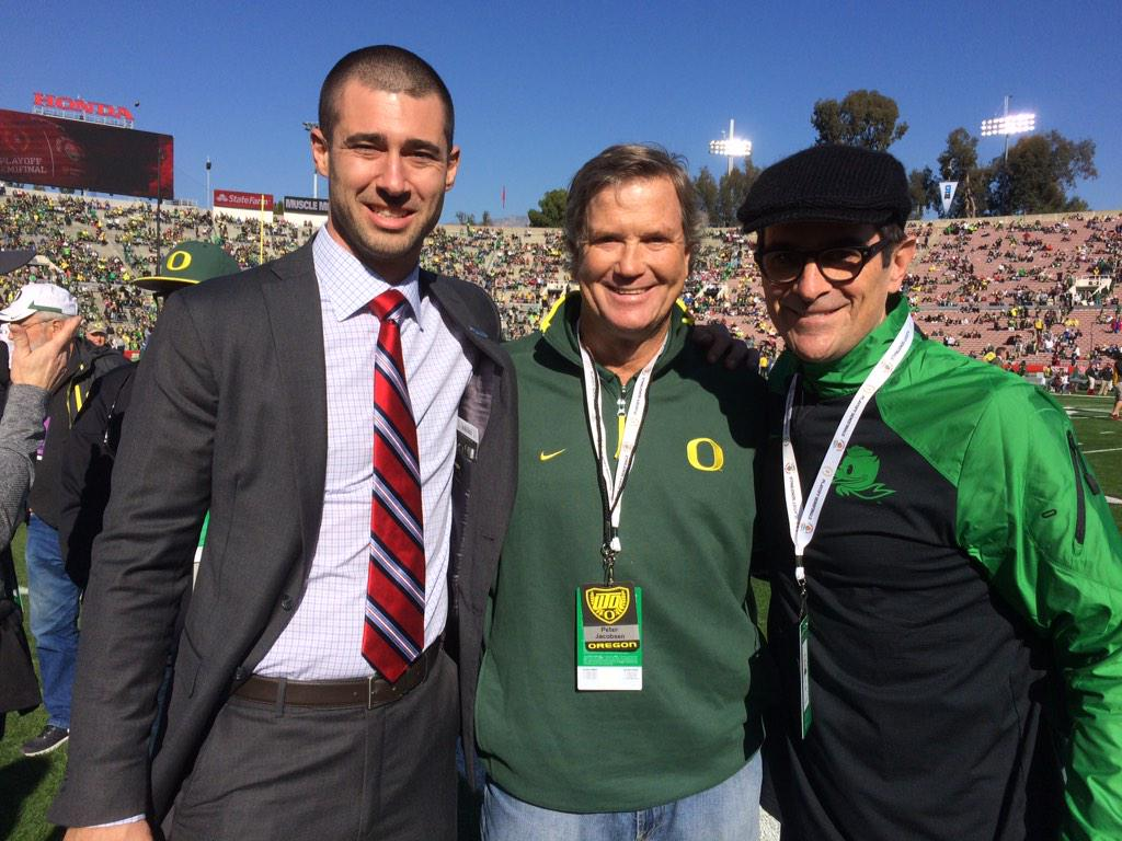 "Hanging @rosebowlgame with former Ducks Joey Harrington and ""Modern Family"" star Ty Burrell.#GoDucks http://t.co/GFNFBUesdl"