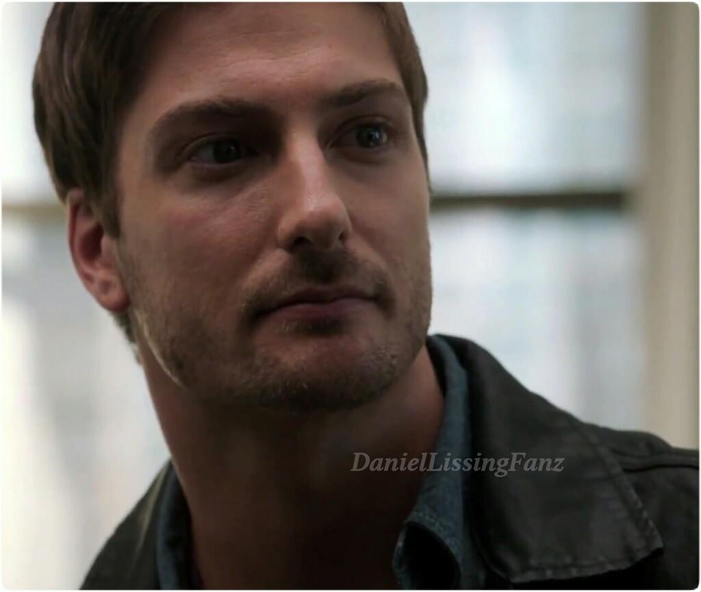 daniel lissing chicago