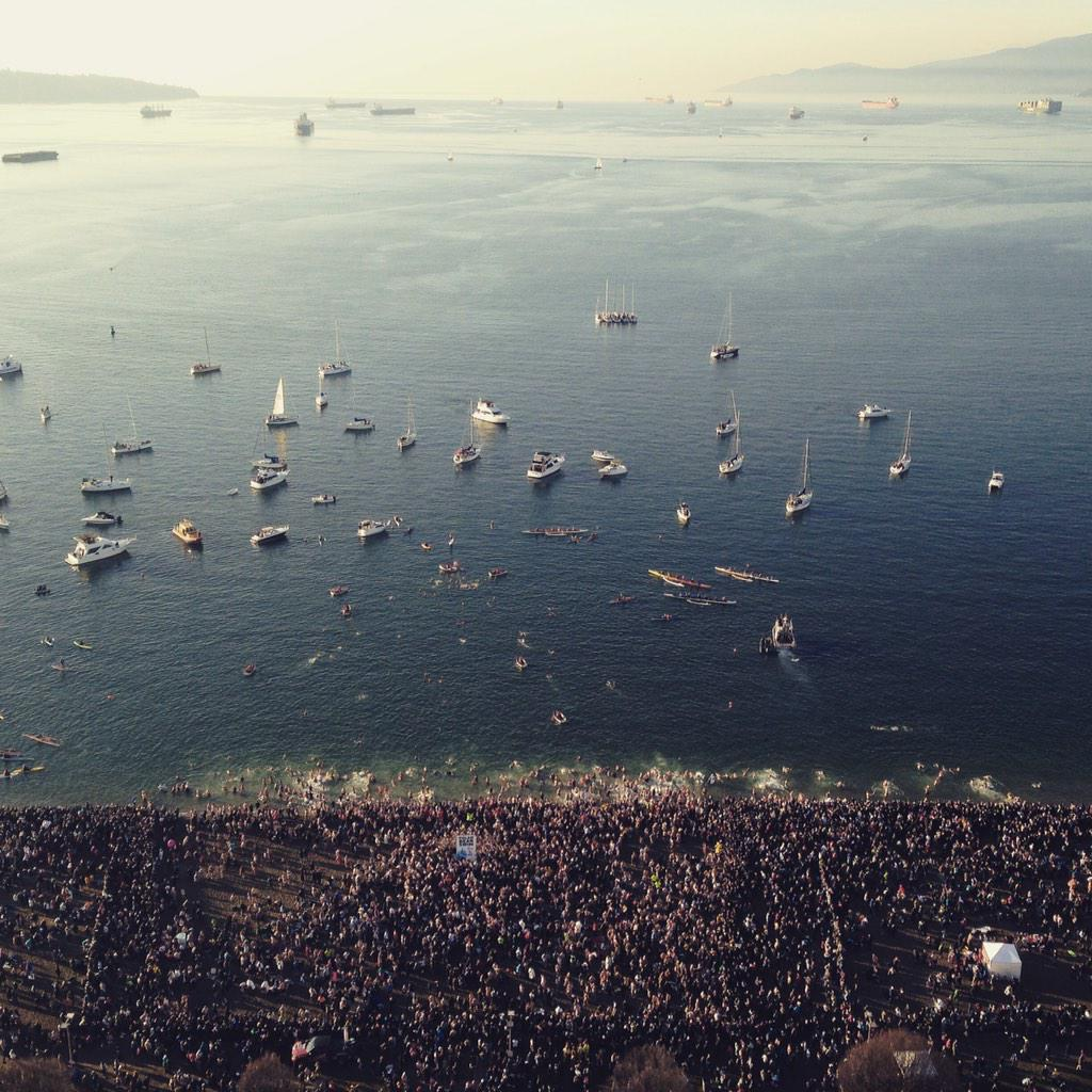 A perfect day for the polar bear swim in English Bay! #Vancouver http://t.co/bJD3ZuPXeo