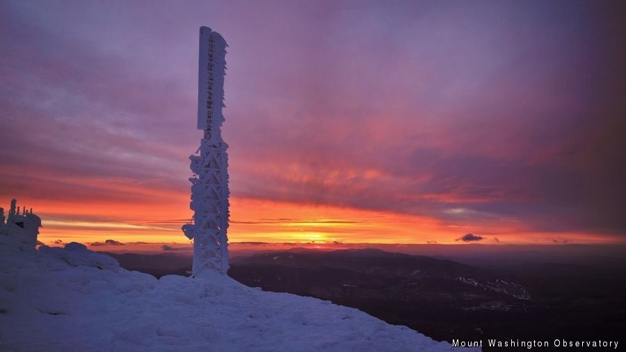 "Nice. ""@smartinWX: First #sunset of 2015 in #MountWashington #NHwx via @MWObservatory (http://t.co/3xMC5eY3J5) http://t.co/zHu3O4Wj4o"""