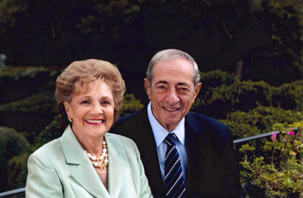 BREAKING: Mario Cuomo, former New York governor, dead at 82.   Read more: http://t.co/OrIXtOxPCg http://t.co/kMV5dSCdYN