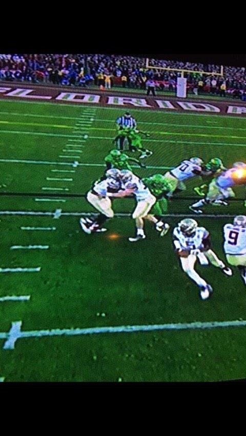 """""""@ThomasGoldkamp: Yo Florida fans, y'all OK right now?"""" Yup we love it Florida State players are blocking each other http://t.co/g03hs9h8Fz"""