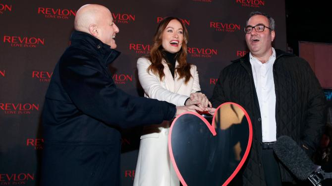 """""""The CEO of #Revlon believes he can 'smell' black people when they walk into a room http://t.co/wkEd5gQOeq http://t.co/aQdZ39S1yS"""" WTF?!"""