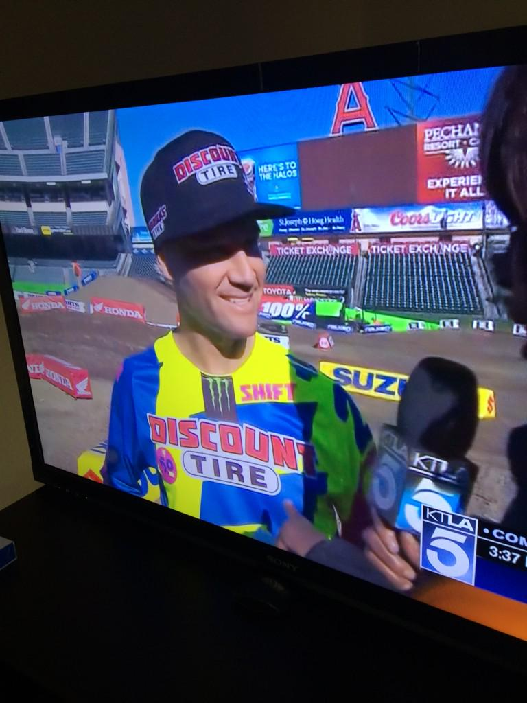 Local TV for @CRtwotwo on channel 5... Pre-Anaheim Supercross. http://t.co/gvOnkStP6m