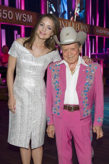 Rest in peace, sweet #JimmyDickens It was an honor to call you friend. http://t.co/DESugnnzHb