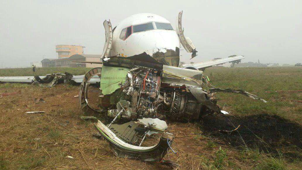 Photos of Ethiopian Airlines Boeing 737-400F cargo plane crash at Accra, Ghana http://t.co/kyM3s1ydUC https://t.co/NTiHecQTgn