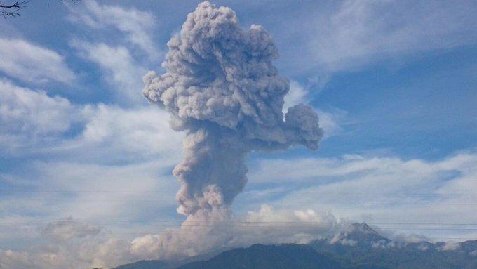 Volcanes 2015 B6b2tRACMAAdNgD