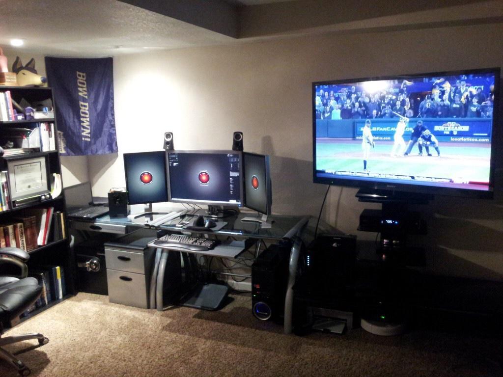 desk setups on twitter productive triple monitor setup desksetups. Black Bedroom Furniture Sets. Home Design Ideas