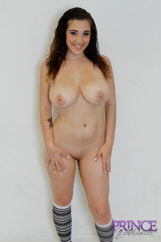 noelle easton naked