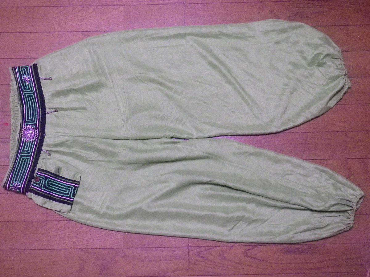 普段着 兼 舞台衣装のズボンも、世代交代。[第3章]