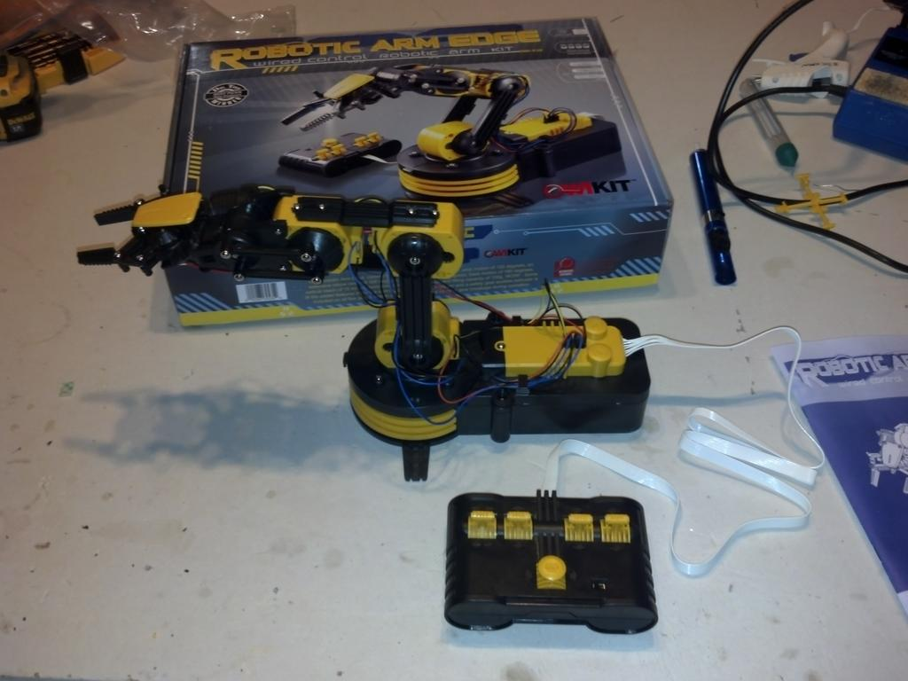 The OWI Robotic Arm Edge Kit