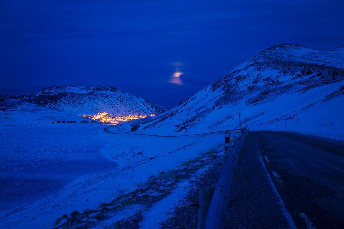 ヨーロッパの最北の漁村、「Skarsvåg」というの街です♪ http://t.co/85De1nPPVa
