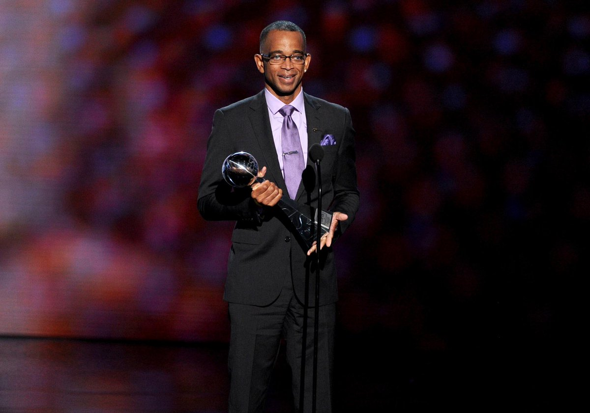We are heartbroken to report that Stuart Scott has died after a long fight with cancer. He was 49. http://t.co/aI0TGwFqGU