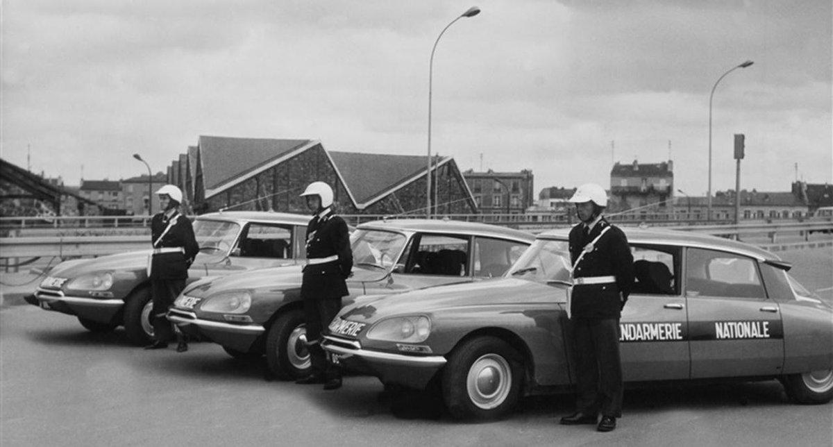 oscaro on twitter citro n ds du citoyen au pr sident de la gendarmerie au taxi c 39 tait la. Black Bedroom Furniture Sets. Home Design Ideas
