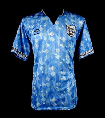 1cff4d131 Football shirts on Twitter